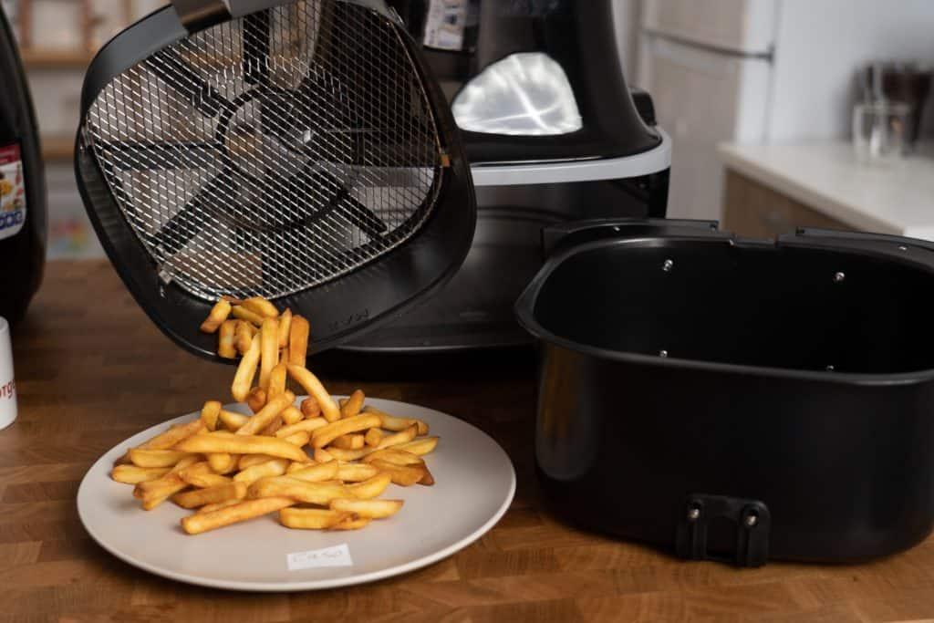 Caso Design AF 400 Heißluftfritteuse - fertige Pommes