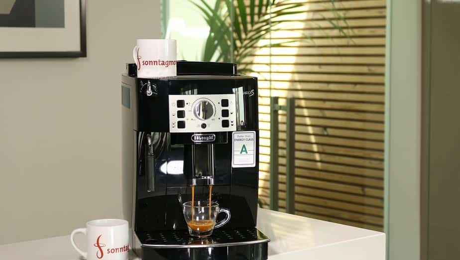 DeLonghi 22.110.B Kaffeevollautomat - Übersicht