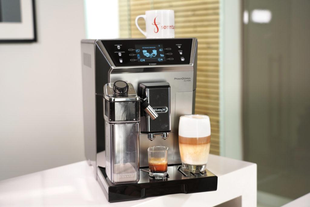 DeLonghi PrimaDonna Class Kaffeevollautomat in der Übersicht