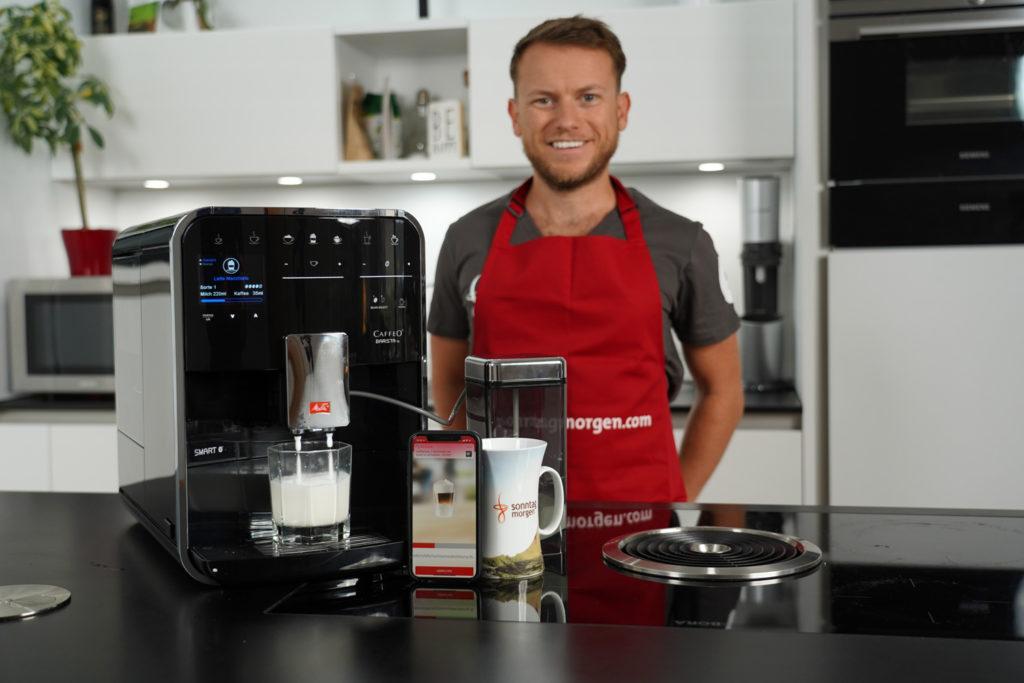 Melitta Caffeo Barista KVA - Gerät während des Milchaufschäumvorgangs