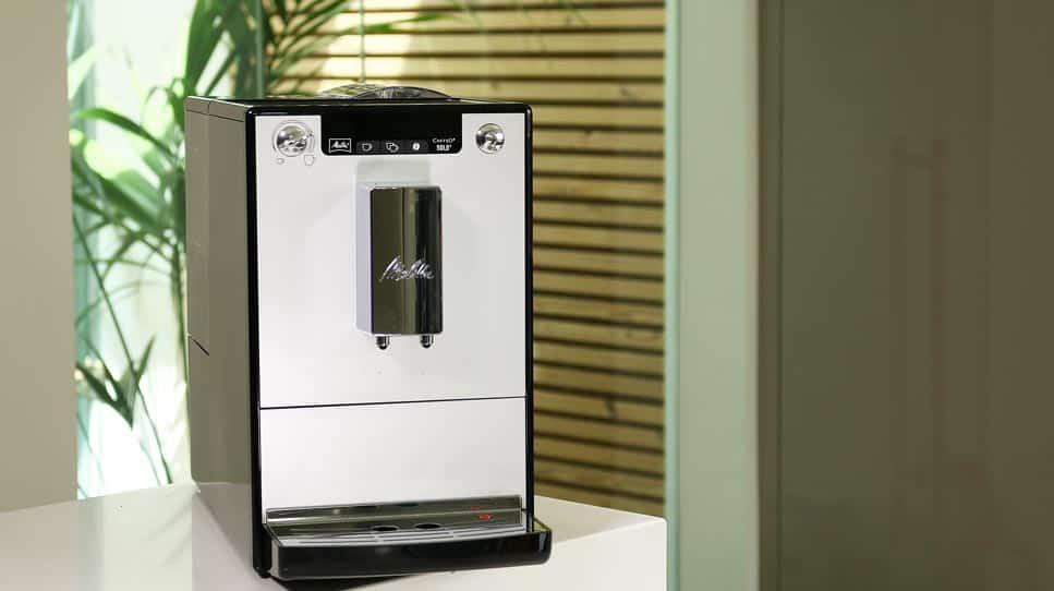 Melitta Caffeo Solo Maschine mit Auslaufdüsen auf maximale Höhe gestellt