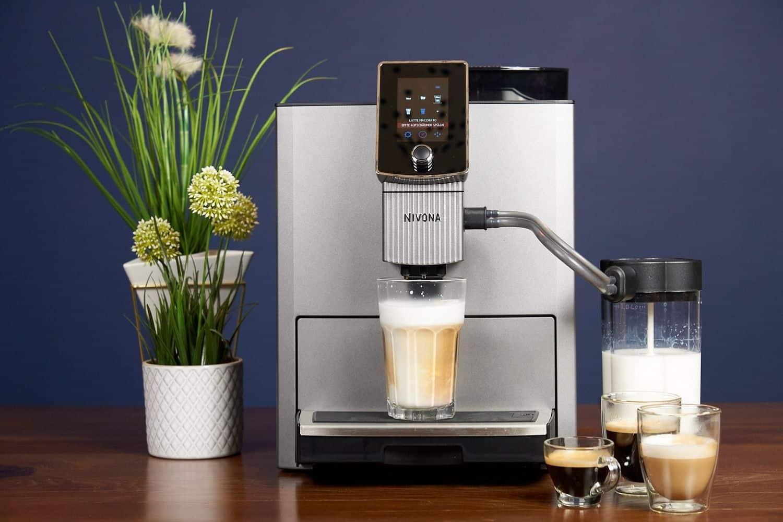 Nivona NICR CafeRomantica 1040 Kaffeevollautomat Milchschaum