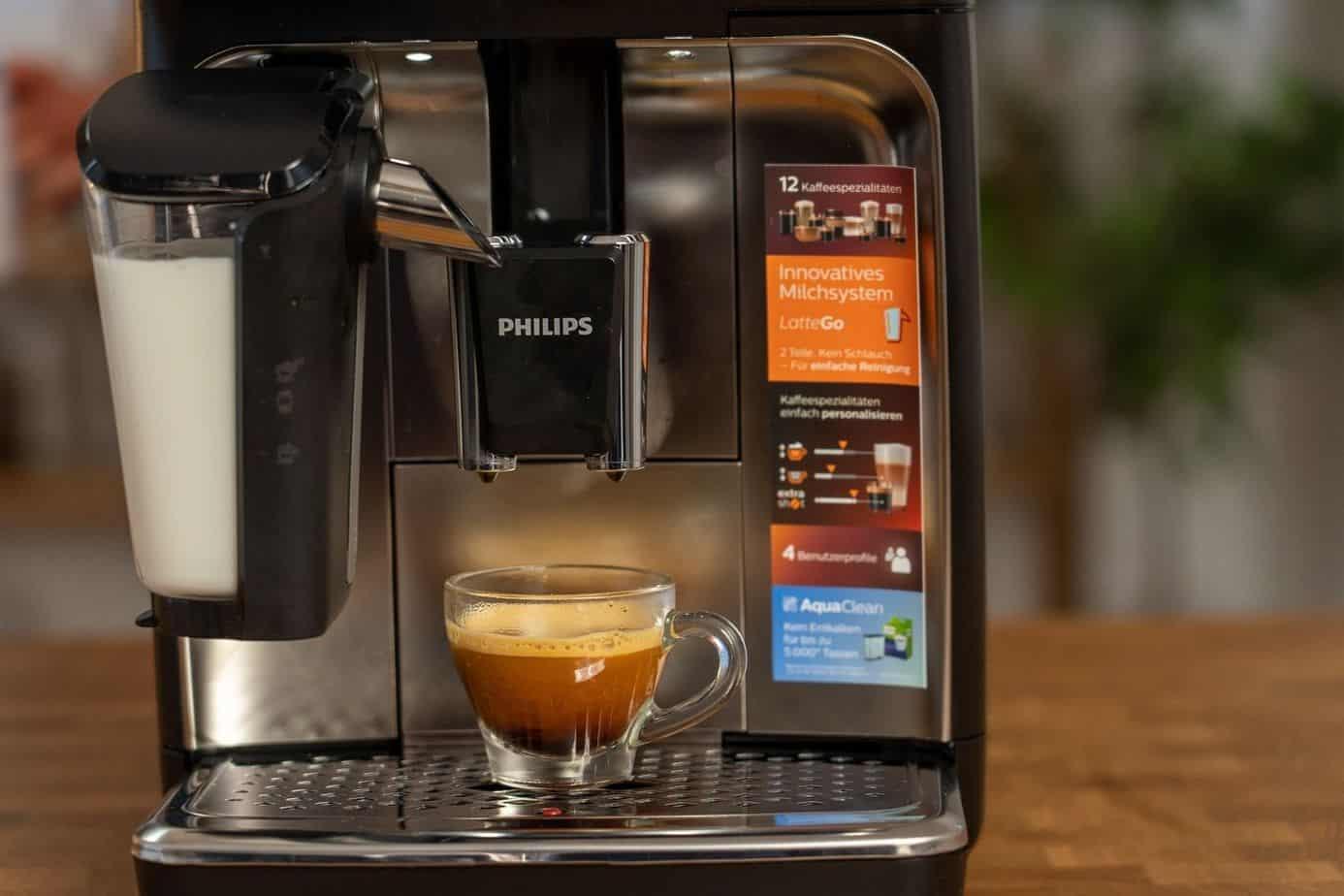 Philips EP5447 90 LatteGo Kaffeevollautomat Espresso