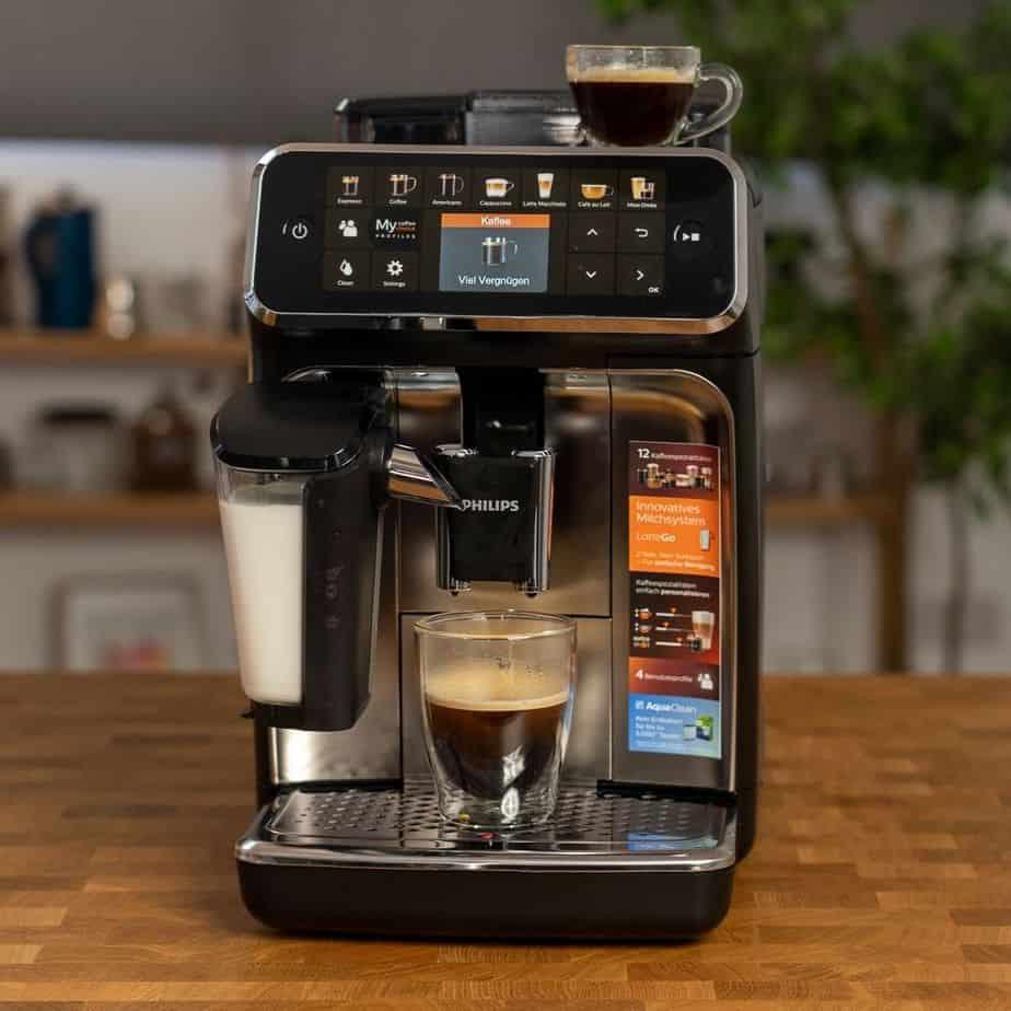 Philips EP5447 90 LatteGo Kaffeevollautomat Kaffee