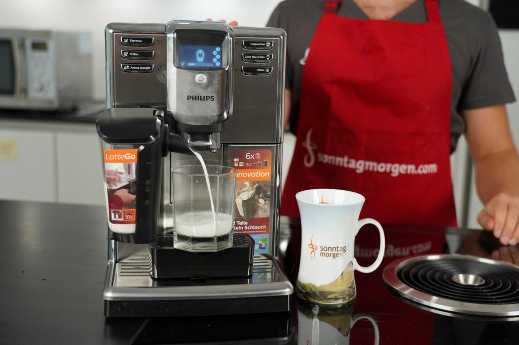 Philips LatteGo - Zubereitung eines Latte Macchiato