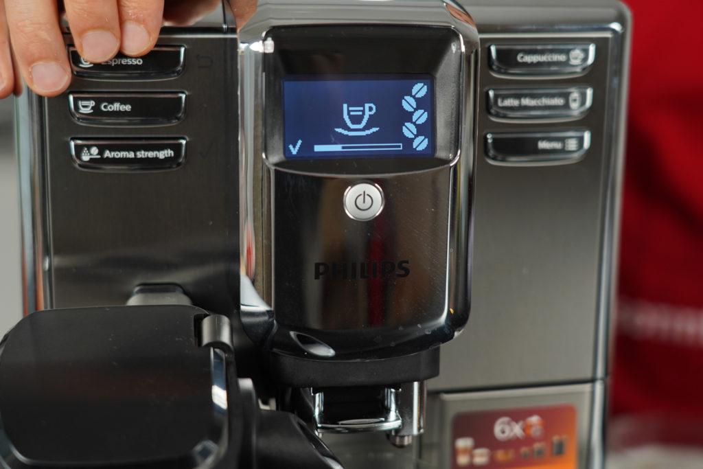 Philips LatteGo - Detailansicht des Displays mit Zubereitungsstatusangabe