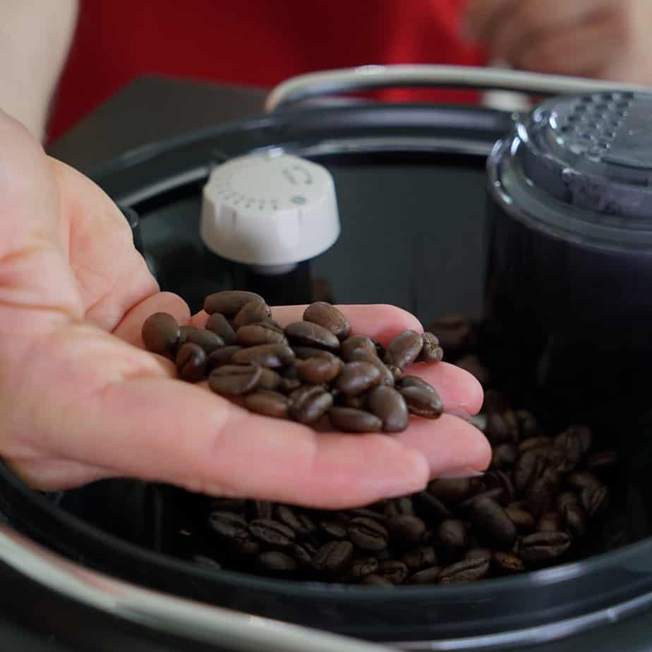 Saeco Xelsis Kaffeebohnen aus dem Bohnenfach
