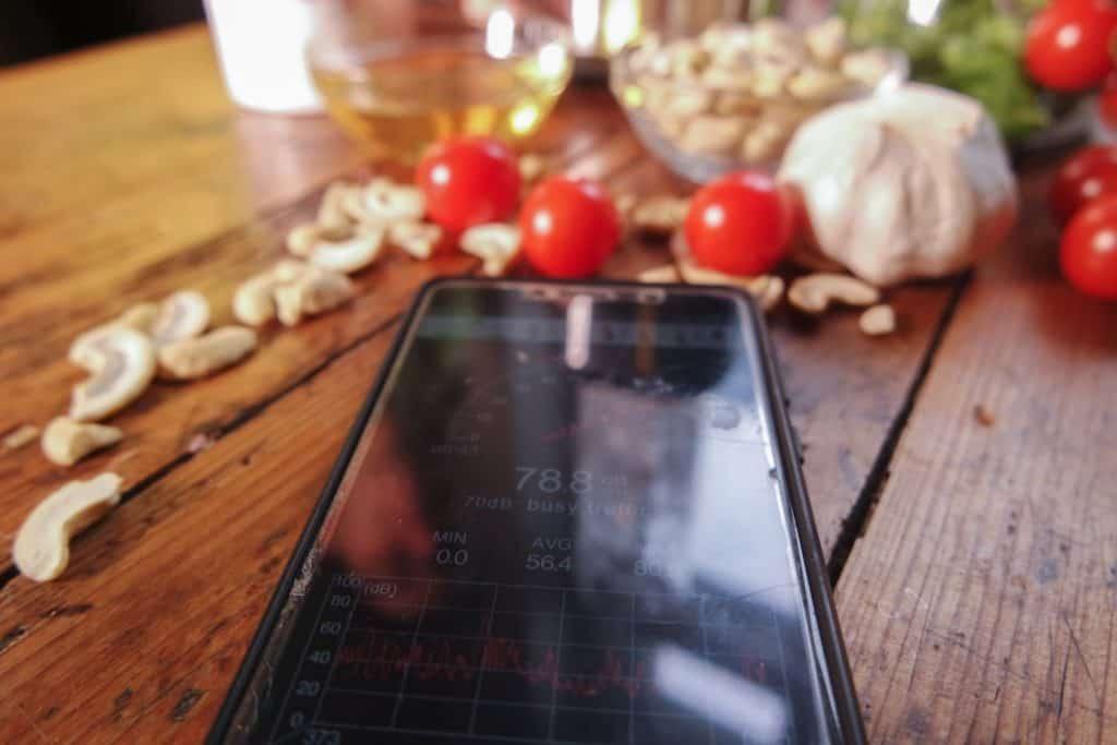 WMF Kult X Mix & Go Mini-Standmixer - Lautstärkemessung mit Smartphone-App: Der Bildschirm zeigt 78,8 Dezibel an